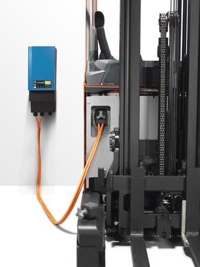 bt-reflex-reo-series-li-ion-battery-charging